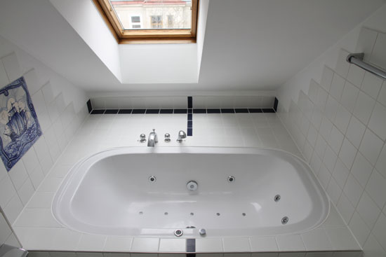 Beautiful Creer Salle De Bain Combles Photos - Matkin.info ...